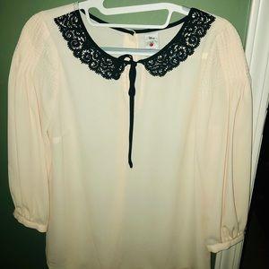 🌟Delicate Disney blouse .